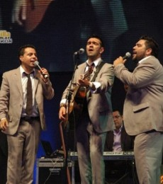 Contratar Los Guitarreros (011 4740- 4843) Onnix Entretenimientos