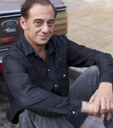 Contratar Alejandro Awada (011-4740-4843) Onnix Entretenimientos