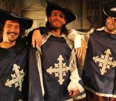 Los-tres-mosqueteros-representante-christian-manzanelli-los-tres-mosqueteros-contrataciones-shows- (2)