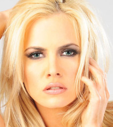 Contratar Alejandra Maglietti (011-4740-4843) Onnix Entretenimientos