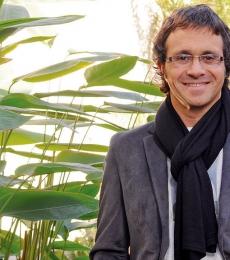Contratar Sergio Lapegue (011-4740-4843) Onnix Entretenimientos