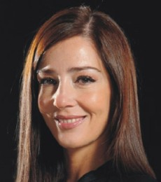 Contratar Paola Krum (011-4740-4843) Onnix Entretenimientos