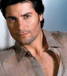 Contratar A Chayanne (011)47404843 Onnix Entretenimientos