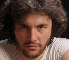 Ergün_Demir_contrataciones_onnix_entretenimientos_contratar_a_Ergün_Demir_en_onnix_entretenimientos (7)