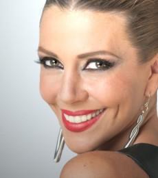 Contratar Monica Ayos (011-4740-4843) Onnix Entretenimientos
