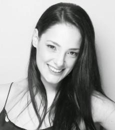 Contratar Sabrina Artaza (011-4740-4843) Onnix Entretenimientos