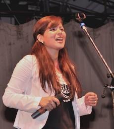 Contratar Marcela Ceballos (011) 4740-4843 Onnix Entretenimientos