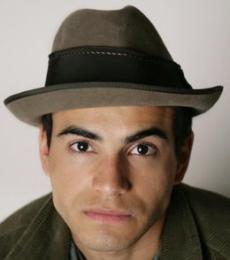 Contratar Abel Ayala (011-4740-4843) Onnix Entretenimientos