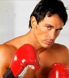 Contratar Sebastian Estevanez (011) 4740-4843 Onnix Entretenimientos