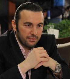 Contratar A Ergün Demir (011)47404843 Onnix Entretenimientos