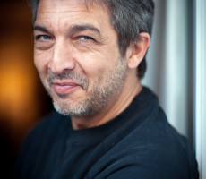 Argentinian Actor Ricardo Darin Poses On