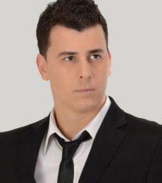 Contratar A Ariel Dávila Al (011) 47404843 Onnix Entretenimientos