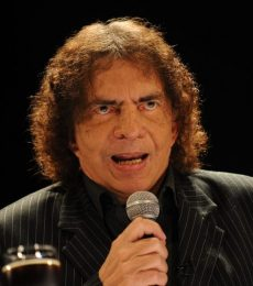 Contratar A Alejandro Dolina Al (011)47404843 Onnix Entertainment Group