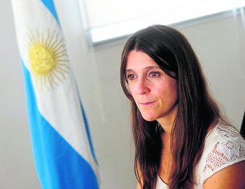 Contratar Inés Arrondo (011-4740-4843) O Al (011-2055-4218) Onnix Entertainment Group