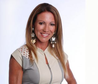 Contratar A Magdalena Magui Aicega Onnix Entretenimientos (3)