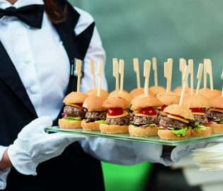 Servicio De Catering En Onnic Entretenimientos (3)